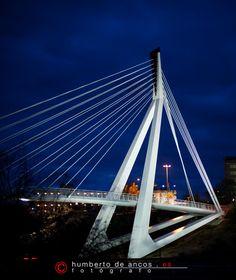 Puente moderno de Toledo, España.