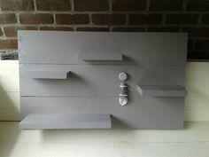 Wandbord nieuw steigerhout grijs geschilderd 1 meter breed 60 hoog