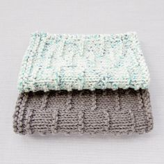 This dashed stripe facecloth in Kitchen Cotton or Cotton-Ease for a nice handmade bathroom decor.