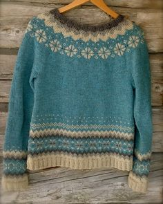 Buy sweaters – long-sleeved sweaters made from a cotton blend online. Punto Fair Isle, Motif Fair Isle, Long Sweaters, Sweaters For Women, Fair Isle Knitting Patterns, Knitting Ideas, Icelandic Sweaters, Sweater Making, Mode Inspiration