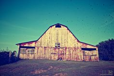 Barn in Tennessee. would love to get married somewhere like this