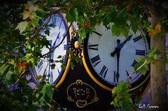 Pulsul orasului: Things Clock, Wall, Home Decor, Watch, Decoration Home, Room Decor, Clocks, Walls, Home Interior Design