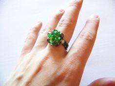 Na podstawie tutorialu Aleshii Beadifullnights: elegant beaded ring  lapkamiashy2.blogspot.com