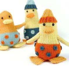 Ente als Kinderspielzeug - Strickanleitung via Makerist.de  #strickenmitmakerist #stricken #strickenmachtglücklich #strickenisttoll #knitting #knit #knittersoftheworld #knittersofinstagram #knitwear #strickliebe #strickanleitung #strickmode #diy #diyproject #ente #spielzeug #kind #kinder