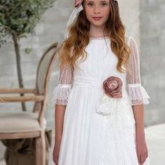 Colección Pompeya Amaya – El Bosque Girls Dresses, Flower Girl Dresses, First Communion, White Dress, Wedding Dresses, Vintage, Flower Headbands, Baby, Fashion