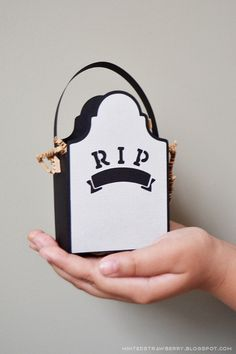 Minted Strawberry: DIY: Gravestone Treat Bags made with my Silhouette