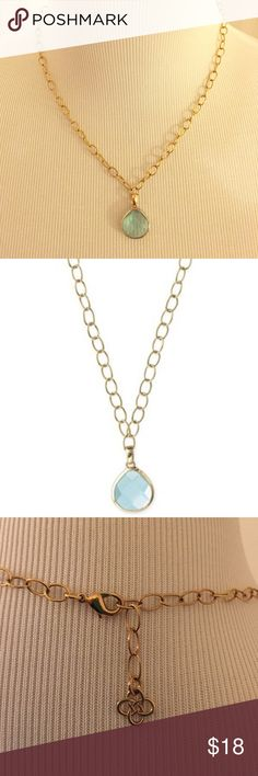 """Stella and Dot Aqua Small Serenity Necklace Pretty faceted aqua teardrop glass stone set in hammered bezel with gold-plated link chain. 19"""" in length and is adjustable. Stella & Dot Jewelry Necklaces"""