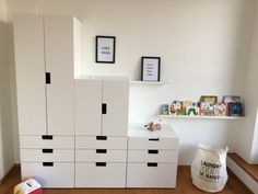Stuva (Ikea) combinatie op zolder onder schuine wand Stuva (Ikea) combination in the attic under a s Ikea Stuva, Ikea Kids Room, Attic Rooms, Kids Decor, Boy Room, Girls Bedroom, Playroom, Locker Storage, Decoration