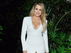 •Khloe Kardashian recently revealed the snacks she swears by on her website.•Her diet is known to include seven meals per day while occasionally fitting in these snacks.•Some of the foods she reaches for include almonds, protein bars, and almond butter among others.•Experts weigh in on the good,
