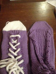 Ravelry: Project Gallery for Slipper Socks pattern by Rea Jarvenpaa Slipper Socks, Slippers, Gloves, Pattern, Accessories, Fashion, Slipper, Tights, Inside Shoes