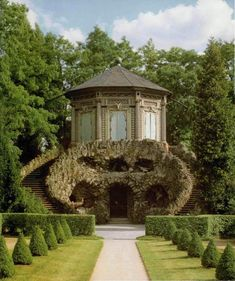 Veishochheim, Rococo garden pavilion in chinese style over gotto Small Buildings, Garden Buildings, Garden Structures, Office Buildings, Garden Architecture, Beautiful Architecture, Beautiful Buildings, Chinese Architecture, Architecture Office