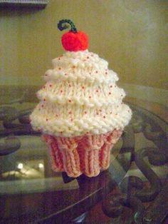 Neeleys Knits: Free Very Vanilla Cupcake Hat Pattern - free pattern Crochet Baby Cocoon Pattern, Baby Hat Knitting Patterns Free, Crochet Keychain Pattern, Baby Hat Patterns, Baby Hats Knitting, Crochet Baby Hats, Free Knitting, Knitted Hats, Free Pattern