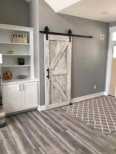 Perfect Farmhouse Sliding Barn Door Design And Decoration Ideas To Try 13 Barn Door Designs, White Barn, Rustic White, Interior Barn Doors, Rustic Barn Doors, Cheap Barn Doors, Barn Style Doors, Basement Remodeling, Home Remodeling Diy