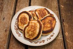 Kefírové lívance | Recepty | KetoDiet CZ Kefir, Pancakes, French Toast, Breakfast, Food, Diet, Morning Coffee, Eten, Meals