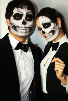 30 Amazing And Scary Couple Halloween Makeup Ideas For The Coming Halloween - Page 20 of 30 - Chic Hostess Original Halloween Costumes, Cute Couple Halloween Costumes, Skeleton Halloween Costume, Creepy Halloween, Halloween 2019, Halloween Skull Makeup, Corpse Bride Makeup, Scary Makeup, Day Of Dead
