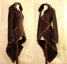 http://fashionablygeek.com/handmade/this-gorgeous-wrap-around-coat-has-elven-style/#more-119764