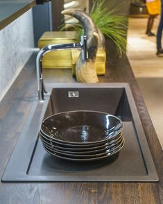 #isaloni2018 #Blanco #salonedelmobile2018 #inspiracio #exhibition #munkalap #csaptelep #mosogatótálca Tray, Tableware, Kitchen, Instagram, White People, Cuisine, Dinnerware, Cooking, Dishes