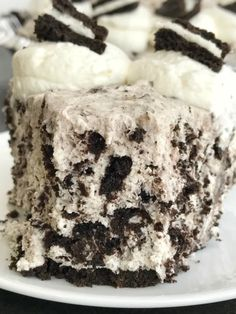 Oreo Cream Pie | Pie | No Bake Dessert Recipes | Cream Pie | Oreos | This Oreo cream pie will be one of the easiest desserts you'll ever make. An Oreo cookie crust filled with a cream Oreo filling. Top with additional whipped cream and Oreos for the ultimate Oreo Cream Pie. Only 6 simple ingredients needed and it's no-bake! #nobake #pie #dessert #desserts #easydessertrecipes Oreo Dessert Recipes, No Bake Desserts, Easy Desserts, Pie Dessert, Delicious Desserts, Yummy Food, Cookie Desserts, Holiday Desserts, Fruit Recipes
