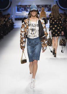 Moschino Fall/Winter 2015/16 fashion show - See more on www.moschino.com