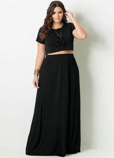 mode für mollige junge damen langer schwarzer rock