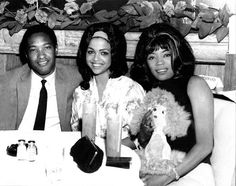 SamCooke known keep the beautiful women! Seated here with Tammi Terrell who made mega hits with the late Marvin Gaye along with Betty Harris. Music Icon, Soul Music, Indie Music, Tammi Terrell, Soul Singers, Female Singers, Believe, Vintage Black Glamour, Provocateur