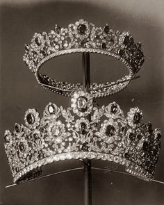 """thestandrewknot: """" The Tiara and Comb from the Duchess of Angoulême's Ruby Parure (Pierre-Nicholas Menière, """" Royal Crowns, Royal Tiaras, Tiaras And Crowns, Royal Diamond, Diamond Tiara, Antique Jewelry, Vintage Jewelry, Royal Jewelry, Fantasy Jewelry"""
