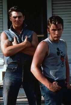 Tom Cruise and Emilio Estevez in The Outsiders Emilio Estevez, The Outsiders Steve, The Outsiders Cast, Tom Cruise, Marlon Brando, Top Gun, Katie Holmes, James Dean, Nicole Kidman