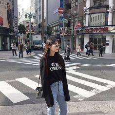Korean Fashion Casual Style Pin By Aki Warinda Korean Fashion Casual, Korean Fashion Trends, Korean Street Fashion, Ulzzang Fashion, Fashion 101, Korean Outfits, 70s Fashion, Asian Fashion, Daily Fashion