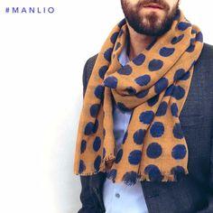 Sciarpa €64,40 Spedizione gratuita #manlioboutique Info: WhatsApp 329.0010906 #scarves #fashion #accessories
