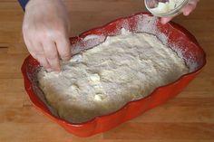 Budincă de tăiței cu brânză la cuptor | Rețete - Laura Laurențiu Bread, Food, Breads, Hoods, Meals, Bakeries