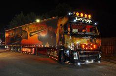 LUGRAS – Sbírky – Google+ Show Trucks, Night, Google