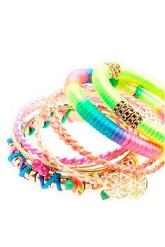 Bershka Switzerland online fashion for women and men - Buy the lastest trends Neon Bracelets, Bangles, Neon Accessories, Bracelet Set, My Style, Jewelry, Jojo Siwa, Diy, Switzerland
