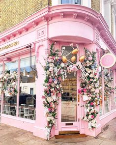 Cafe Bar, London City, Floral Wreath, Photos, Wreaths, Photo And Video, Pretty, Wedding, Instagram