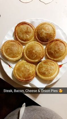 Mumma's Steak Bacon Cheese & Onion Pies Bacon Meat, Bacon Pie, Mini Pie Recipes, Baking Recipes, Savory Pastry, Savoury Pies, Pastry Dishes, Cheese And Onion Pie, Steak And Cheese Pie Recipe
