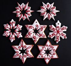 Citromhab: Mézeskalács sütése és díszítése Snowflake Cookies, Iced Cookies, Royal Icing Cookies, Fun Cookies, Holiday Cookies, Cupcake Cookies, Homemade Christmas Cards, Christmas Desserts, Christmas Baking