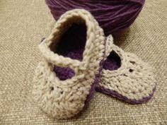 Zapatitos para bebe en hilo de algodon dos colores combinados