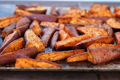 roasted chili sweet potatoes--turned out very well but roasted at (vegetable snacks roasted sweet potatoes) Spicy Sweet Potato Fries, Sweet Potato Wedges, Sweet Potato Recipes, Roasted Sweet Potatoes, Vegetable Snacks, Vegetarian Recipes, Healthy Recipes, Fruit Recipes, Recipies