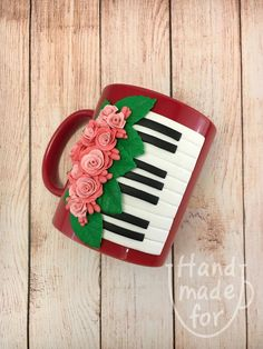 Items similar to Piano Keys, Piano keys mug, Piano cup on Etsy Fimo Clay, Polymer Clay Crafts, Handmade Polymer Clay, Polymer Clay Jewelry, Bottle Art, Bottle Crafts, Clay Art For Kids, Unicorn Cupcakes Toppers, Unusual Presents