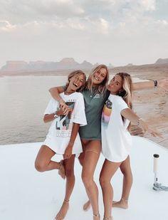 Best Friends Shoot, Best Friend Poses, Cute Friends, Poses With Friends, Summer With Friends, Photos Bff, Friend Photos, Bff Pics, Friend Picture Poses