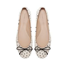 POLKA DOT BALLERINA SHOES   Ref. 2295/201   $49.90            Ref. 2295/201                Height of heel: 0,6 cms./ 0,24 inches.            49.90  USD