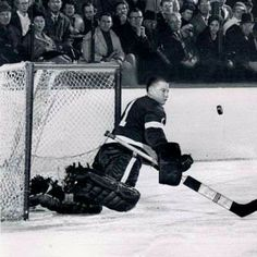 Hank Bassen was destined to serve as Terry Sawchuck's back-up during his time in…