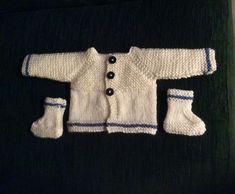 Ravelry: Little Babbity - Preemie Baby Cardigan Jacket pattern by marianna mel Barbie Knitting Patterns, Baby Cardigan Knitting Pattern Free, Baby Knitting, Preemie Babies, Premature Baby, Preemies, Preemie Clothes, Cute Little Baby, Jacket Pattern