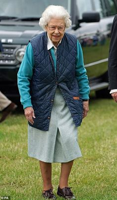 Lady Louise Windsor, House Of Windsor, Queen Watch, Royal Monarchy, English Royal Family, Royal Queen, Queen Pictures, Pose For The Camera, Royal Life
