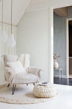 80 DIY Cozy Corner for Your Home Look Amazing - Architecturehd Sweet Home, Living Spaces, Living Room, Cozy Corner, Cozy Nook, White Decor, Home Interior, Interiores Design, Home Design