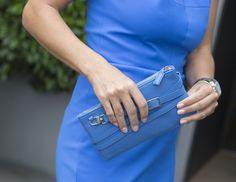 minibag in royal blue - the clutch in leather made in Europe Big Bags, Small Handbags, Clutch, Elegant, Jeans Fit, Hermes Kelly, Mini Bag, All In One, Must Haves