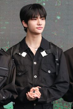 """[HQ] 191110 KAMP Leka #hyunjin #hwanghyeonjin #hyunjin #ヒョンジン #straykids #straykids"" How To Stop Procrastinating, Fandom, Drama Queens, Lee Know, Jhope, Baby Photos, My Boys, Boy Groups, Children"