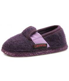 8ac8116bd5a3 ed515c78b878529fe07a1d6bc01477ea--footwear-slippers.jpg