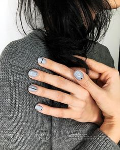 pale blue gray nail polish with minimal black art design, pale blue gray color n. - <img> pale blue gray nail polish with minimal black art design, pale blue gray color nails with minimal black polka dots and stripes Grey Nail Polish, Gray Nails, Nail Black, Polish Nails, Black Polish, Grey Nail Art, Nail Art Dots, Line Nail Art, Geometric Nail Art