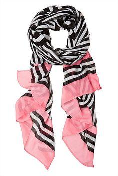 I do love a stripe - Mixed Stripe Scarf Love Fashion, Autumn Fashion, Cozy Scarf, Modest Wear, Striped Scarves, Neckerchiefs, Business Outfits, Scarf Styles, Everyday Fashion