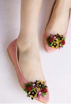 Floral shoes from Kvoll Zapatos Shoes, Shoes Sandals, Crazy Shoes, Me Too Shoes, Sock Shoes, Shoe Boots, Mode Rose, Floral Shoes, Mocassins